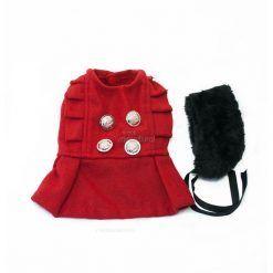 Abrigo Perro Rojo Cuello Piel Negro Botones Dorados