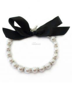Collar Perlas Blancas Perra Lazo Negro Elegante