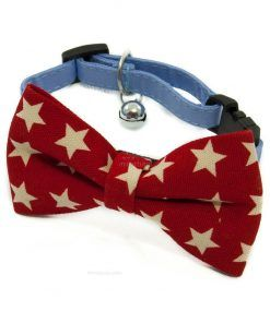 Pajarita Roja Estrellas Blancas Cascabel